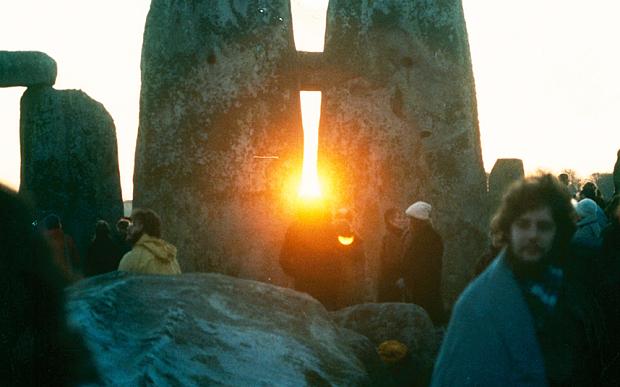 StonehengeSunrise1_3530553b